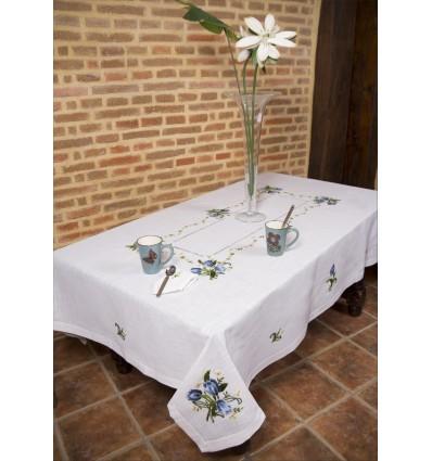 Mantelería bordada a mano flores azules 308