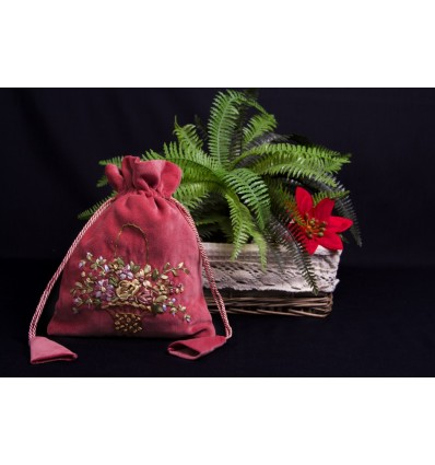Embroidered velvet bag B272